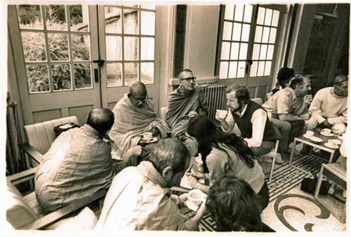 Ananda Maitreya second from left (holding cup of tea) with Pannavado Bhikkhu (Douglas Barrow-Burt), Richard & Diana St Ruth. Taken at Buddhist Soc. Summer School in early 70s Photo: © Lester Halhed
