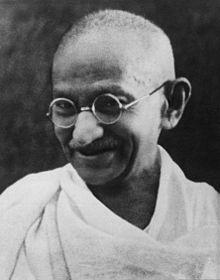 Mahatma Gandhi http://es.wikipedia.org/wiki/Mahatma_Gandhi