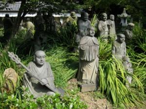 Arashiyama's 70 Rakan Photo © @KyotoDailyPhoto