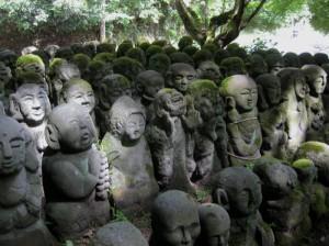 Rakan (Sanskrit: arhats) at Otagi Nenbutsu-ji.