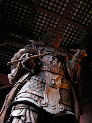Todai-ji's (東大寺) Komoku-ten (広目天), one of the Shitenno (四天王 '4 Heavenly Kings'). As 'Lord of the West' he sees through evil, punishes wrong-doing, & encourages enlightenment. He carries a brush & sutra in his hands. #Nara Photo © @KyotoDailyPhoto