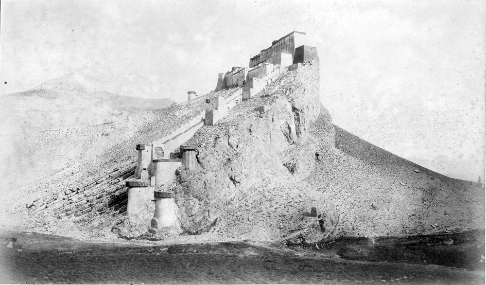 Photographs of the 1903 Francis Younghusband led mission to invade Tibet (3/6)