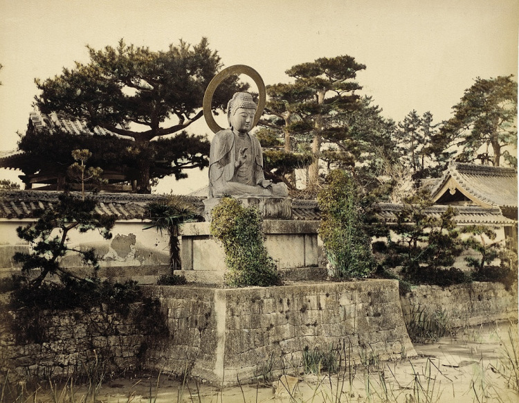 Buddhist Photographs of Japan in 1865 (2/6)
