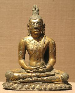 Seated Buddha : Anuradhapura period, ca. 9th century, Sri Lanka. © Metropolitan Museum of Art