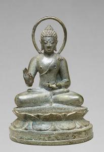 Seated Transcendent Buddha Vairochana, Indonesia (Java) late 9th century. © The Metropolitan Museum of Art