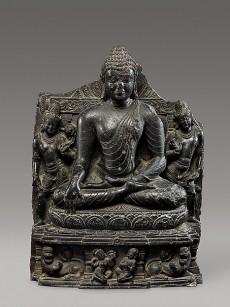 Seated Buddha Reaching Enlightenment, Flanked by Avalokiteshvara and Maitreya, India, Bihar, Nalanda monastery, late 10th–11th century © Metropolitan Museum of Art