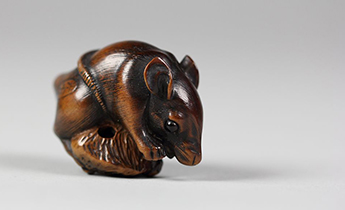 Netsuke Rat, 19th century, Japan. Metropolitan Museum of Art.
